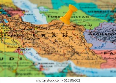 Karte des Iran mit orangefarbenem Pin