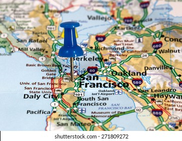 Map with pin point of San Francisco in California USA