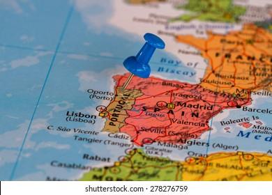 Karte Portugals mit einem blauen Paddelstift