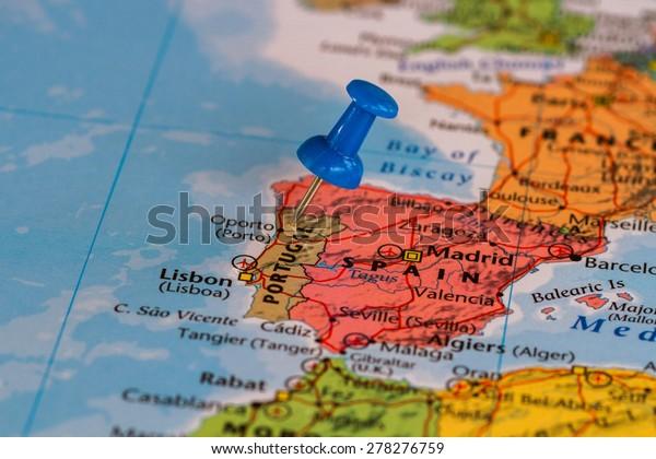 Portugalin Kartta Sinisella Pushpin Juuttunut Arkistokuva Muokkaa