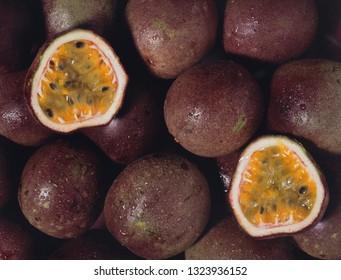 maracuja, alias passion fruit, texture
