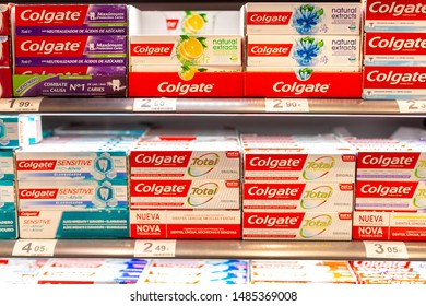 Colgate Supermarket Images, Stock Photos & Vectors