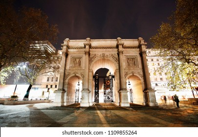 The Marble Arch, designed in 1825 by John Nash, completed in 1833, located in central London, near Oxford Street, to commemorate Britain's victories in the Napoleonic Wars.