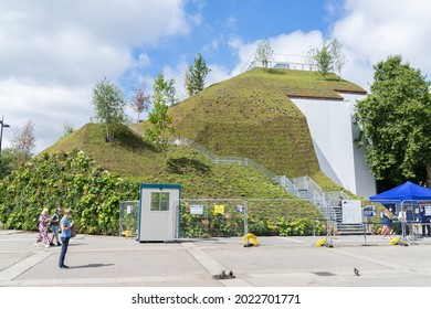 The Marble Arch Mound, London's new tourist attraction. A man made hill structure covered in trees and grass with a viewing platform at the top. London - 10th August 2021