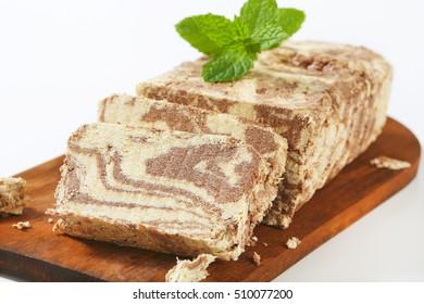 Marble sesame halva with cocoa
