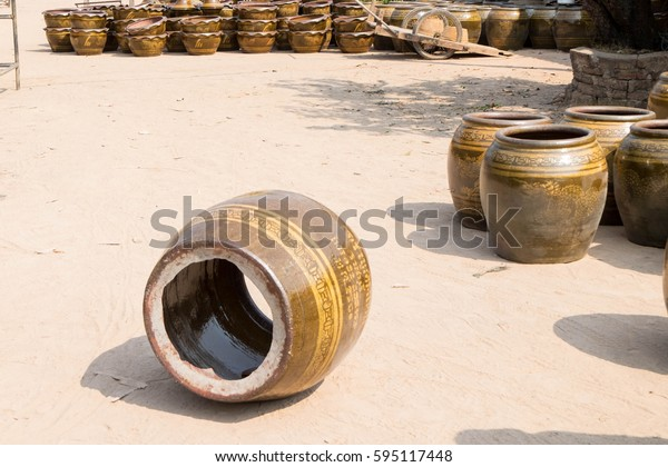 March 5, 2017 - Ratchaburi, Thailand: one of defect pottery product after burning in giant kiln in pottery industry at Ratchaburi province. Selective focus at crack.