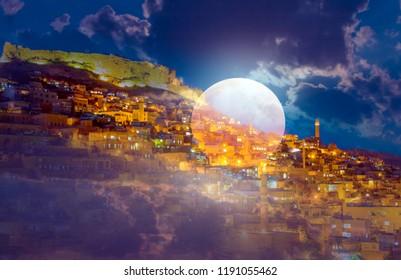 Mardin old town at sunset - Mardin, Turkey