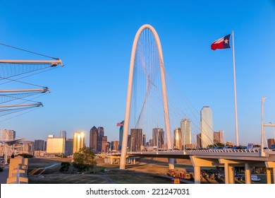 Margaret Hunt Hill Bridge and Dallas City skyline, Texas