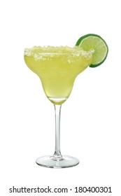 Margarita Getränk mit Kalkscheibe, einzeln auf weißem Hintergrund