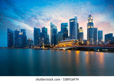 Marina bay at dusk, Singapore city skyline