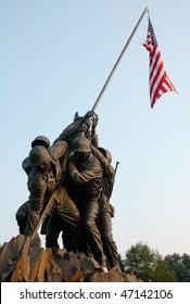 Marine Corps War Memorial Iwo Jima statue and American Flag