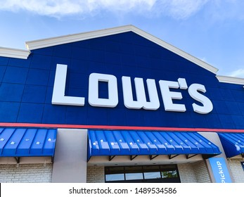 Marinette, WI / U.S.A. - Aug16,2019: Lowe's store in Green bay. Lowe's Companies, Inc. is an American retail company specializing in home improvement.