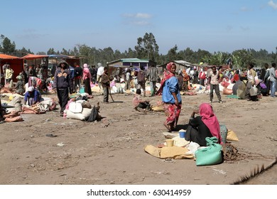 Market day at Awassa in Ethiopia, 24. October 2012