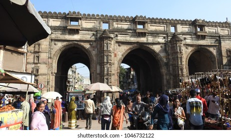 Market place near Teen Darwaza, which is a historical gateway on the east of Bhadra Fort, Ahmedabad, Gujarat, India.    24th December 2017