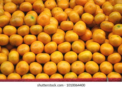 A market in Taiwan sells locally grown oranges