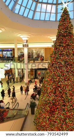 markham canada december 23 2017 christmas decoration at the markville mall in - Commercial Christmas Decorations Canada