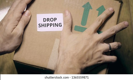 Marking box with DROPSHIPPING label