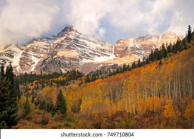 Maroon Bells in Fall Splendor, Aspen, Colorado, USA.