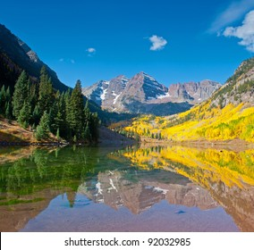 Maroon Bells full reflection into Maroon Lake