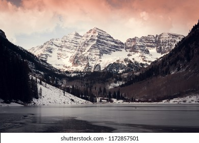Maroon Bells outside of Aspen Colorado during the winter
