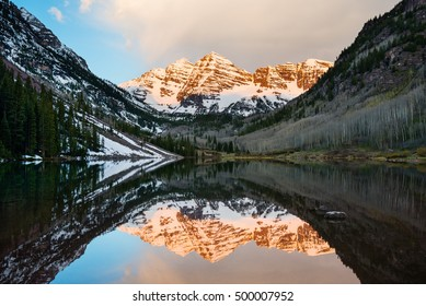 Maroon Bells peak at Maroon lake, Aspen, Colorado at sunrise