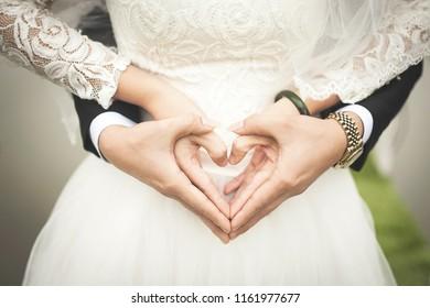 marriage photoshoot romantic couple