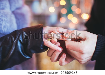 marriage proposal の写真素材 今すぐ編集 726559363 shutterstock