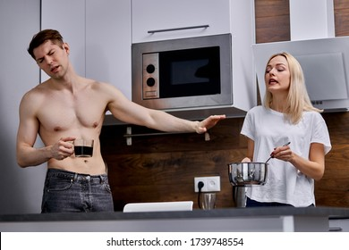 married couple cannot get along in one house, they have quarrel every day, stand screaming and sorting things out in kitchen while having breakfast
