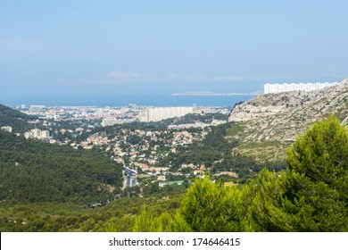 Marseille (Bouches-du-Rhone, Provence-Alpes-Cote d'Azur, France): panoramic view at summer