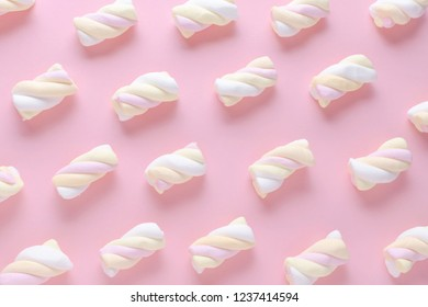 marshmallow pattern on pink background, pastel colors