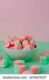 Marshmallows that look like strawberries