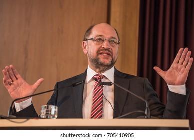 Martin Schulz speaking at the DIW in Berlin in August 2017