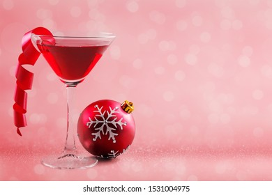 Martini coctail isolated  on white