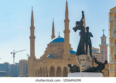 Martyr statue in front of the Mohammad al Amin mosque and church in martyr square in beriut lebanon 3 february 2018
