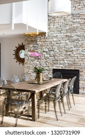 A marvelous dining décor