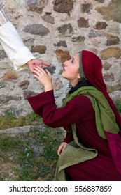 Mary Magdalene recognizing Jesus after His Resurrection