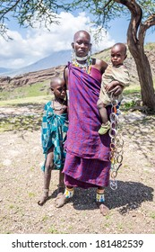 Masai woman with her kids