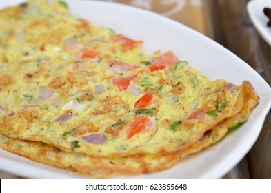 Masala Omelette Indian Style .famous street food of Mumbai