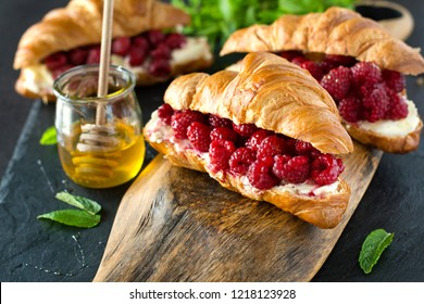 Mascarpone Cheese & Roasted Berries Croissant