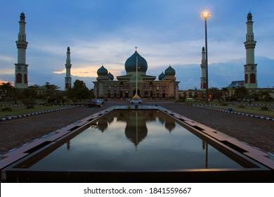 Masjid Agung An Nur merupakan sebuah masjid yang terletak di Pekanbaru, Indonésie. Masjid ini dibangun pada tahun 1963 dan selesai pada tahun 1968.