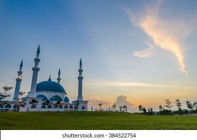 MASJID BANDAR DATO ONN, JOHOR BAHRU, MALAYSIA. The photo showing sunset moment at newly built mosque at Bandar Dato Onn, Johor Bahru.