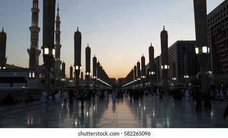 Masjid Nabawi in Madinah, Saudia Arabia, 2015.