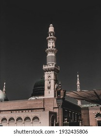 Masjid Nabawi is one of the mosques that many Muslims want to pray in. -Madinah -Arab Saudi