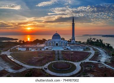 Masjid Raya Kepulauan Riau at sunset, Bintan indonesia.