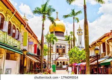 Masjid Sultan Mosque in Kampong Glam is a national monument in Singapore with a long history dating back to 1824.