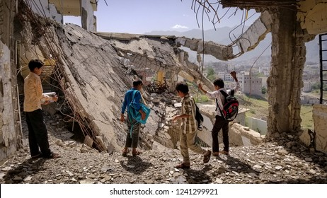 Mass destruction devastated the war in Yemen Yemen / Taiz City 2018-11-02
