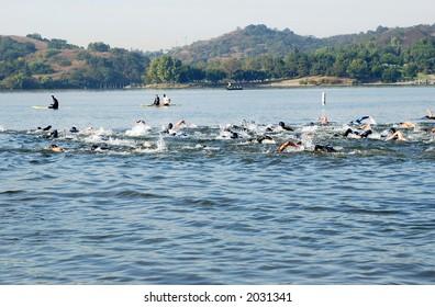 mass start of triathlon competition