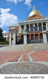 Massachusetts State House on freedom trail, Boston Beacon Hill, Massachusetts, USA.