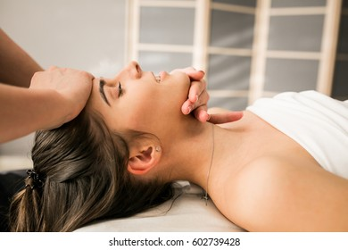 massage woman hands back spa