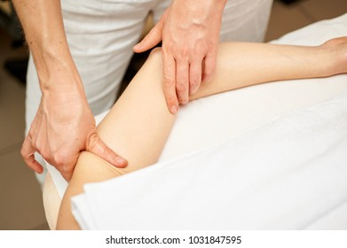 the masseuse does massage